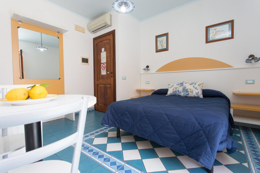 B&B Diana Brown Lipari Eolie